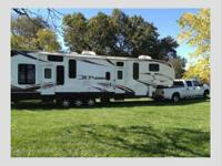 2011 Keystone Fuzion 360, Fifth Wheel Toy Hauler with