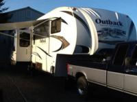 2011 Keystone Outback 330FRL, This is a beautiful well