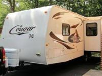 2011 Keystone RV Cougar M-27RLS. Nice looking Unit and