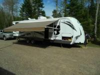 2011 Keystone Cougar M29BHS Travel Trailer. 29 feet in