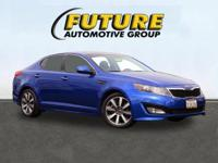 ***WOW! FLAWLESSLY LOADED 2011 OPTIMA! NAVIGATION