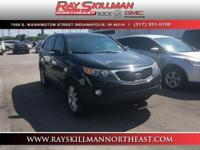 FUEL EFFICIENT 27 MPG Hwy/21 MPG City! Ebony Black