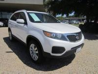 LIKE NEW! This 2011 Kia Sorento LX is a ONE-OWNER, 100%