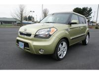 Exterior Color: green, Body: Wagon, Engine: 2.0L I4 16V