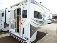 2011 Lance Short Bed 855 Short bed with a GENERATOR!!