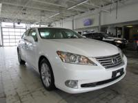 Load your family into the 2011 Lexus ES 350! A premium