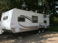 2011 Salem Camper 23 foot bumper pull. Queen bed, 2