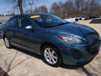 CLEAN AUTO CHECK HISTORY and ONE OWNER. Mazda3 i