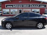 2011 Mazda, MAZDA 3 i Touring 4dr Sedan 5A with a 2.0 L