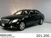 ***CARFAX CERTIFIED WITH SERVICE RECORDS***. E350