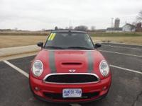 2011 MINI 2 DOOR CONVERTIBLE Our Location is: Francois