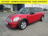 Exterior Color: chili red, Body: Wagon, Engine: I4