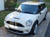 2011 Mini Cooper John Cooper Works Clubman. Tasteful