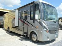 2011 Newmar Canyon Star 3642 Very Low Miles! 2011