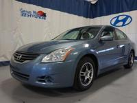 Get the ultimate value with this beautiful Altima!