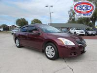2011 Nissan Altima 2.5S sedan ** Clean History and