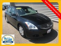 New Price! CARFAX(R)- ACCIDENT FREE !, CVT with
