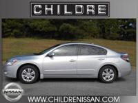 This 2011 Nissan Altima 2.5SL is in excellent condition