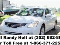 2011 Nissan Altima S - 44k miles - automatic