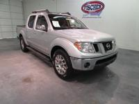 2011 Nissan Frontier SL Crew Cab ** LIKE NEW!! ** This
