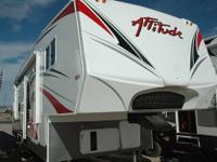 Attitude 28AKLG Fifth Wheel Toy Hauler- 2011 Eclipse