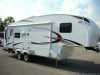2011 PALOMINO SABRE FIFTH-WHEEL AVAILABLE BY VISONE RV.