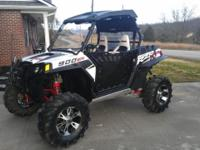 2011 RZR 900 XP LE with 1700 miles in perfect