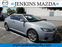 -CARFAX ONE OWNER- SUNROOF / MOONROOF, AND MP3 CD