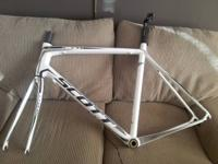 I am selling my framset from a full carbon 2011 Scott