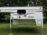 Forest River Palomino Real-Lite SS-1608 Truck camper