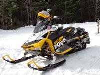 2011 SKI DOO XRS 600 ETEC PLENTY OF SLED FOR ANYONE..