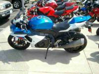 2011 SUZUKI GSX-R1000, Two-tone Blue / White, the