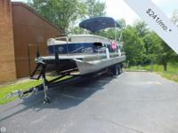 - Stock #079249 - This LT2300 Pontoon is a great