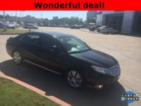**ONE OWNER**, **SUNROOF/MOONROOF**, **KEYLESS ENTRY**,