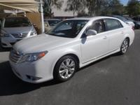 FUEL EFFICIENT 29 MPG Hwy/20 MPG City! Avalon trim.