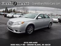 2011 AVALON *PRICED REDUCED* This vehicle is GORGEOUS