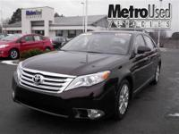 Toyota Certified Clean Carfax HEATED LEATHER SEATS and