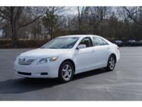 Exterior Color: super white, Body: Sedan, Engine: 2.5L