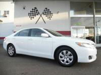 Options:  2011 Toyota Camry Le 4Dr Sedan 6A|White|Vin: