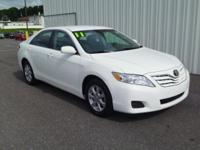 2011 TOYOTA CAMRY LE!! 2.5L V4! ONE OWNER CAR, KEYLESS