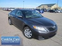 Exterior Color: magnetic gray metallic, Body: Sedan,