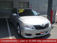 Classic Silver Metallic 2011 Toyota Camry SE FWD