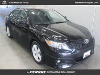 This 2011 Toyota Camry 4dr 4dr Sdn I4 Auto SE Sedan