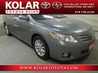 2011 Toyota Camry XLECamry XLE, ONE Owner Per AUTO