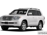 2011 TOYOTA LAND CRUISER IN GREAT CONDITION. LOADED.