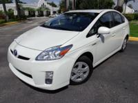 2011 Toyota Prius Hybrid II with only 31,030 low