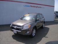 EPA 26 MPG Hwy/19 MPG City! CARFAX 1-Owner, Excellent