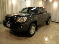 CHECK OUT THIS TRUCK! SR5 CREW CAB 4.06L V6 4WD, auto,