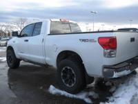 Tundra trim. CD Player, Dual Zone A/C, 4x4, iPod/MP3