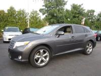 This Certified 2011 Toyota Venza doesn't compromise